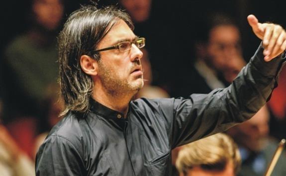 Ο Λεωνίδας Καβάκος στην Κρατική Ορχήστρα Αθηνών - συναυλία στην Πάτρα